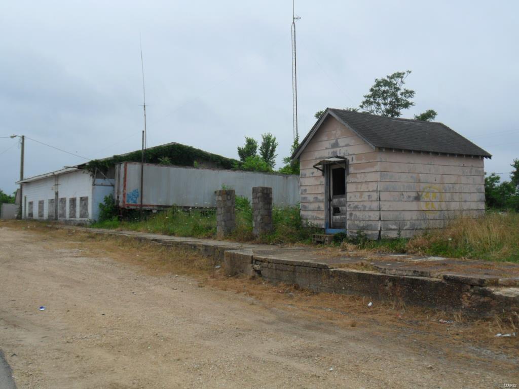 Residential for sale – 1111  Main Street   Bunker, MO