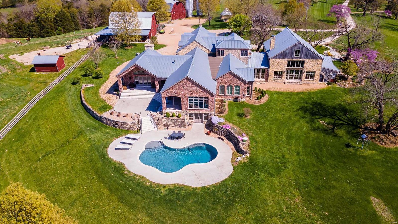 Farm for sale – 507  Neighborhood Road   New Haven, MO