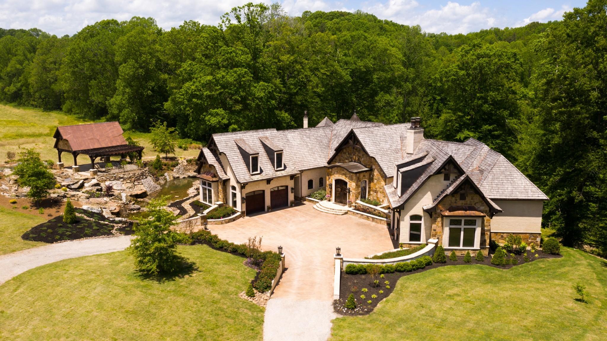 Residential for sale – 1050  Pine Creek Falls RD   Smithville, TN