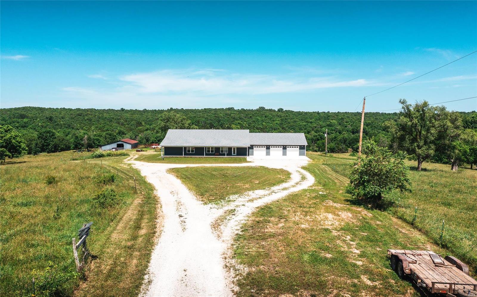 Farm for sale – 11299  Pettis Lane   Plato, MO