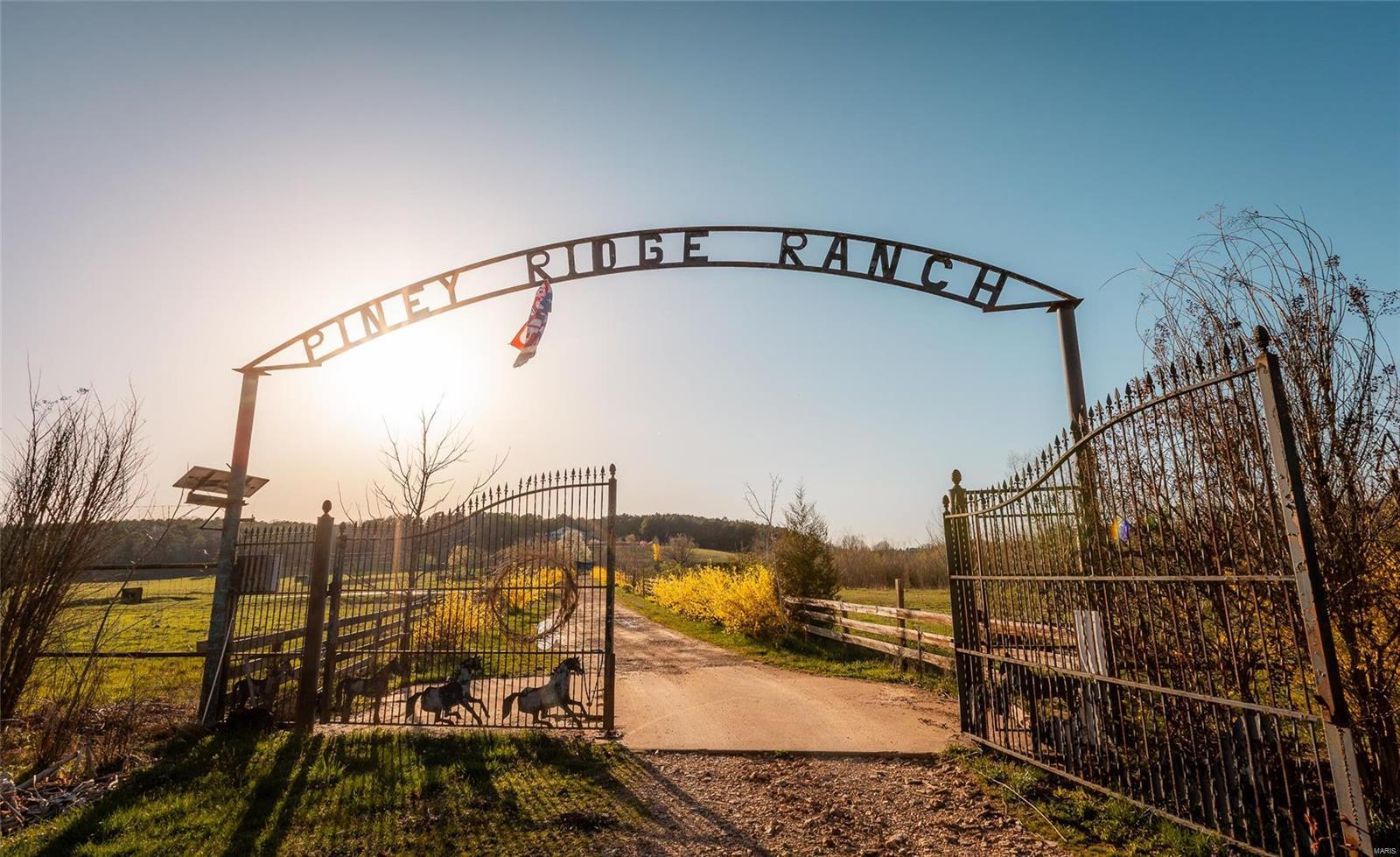 Farm for sale – 22804  Piney Ridge Ranch   Winona, MO